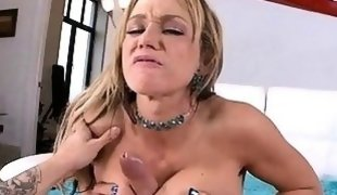 Hot lady with juicy butt moans as she gets fucked