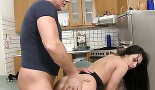 Rosalina Love finds it exciting to be anally rammed