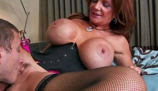 Deauxma is a gorgeous mature woman with fantastic massive tits.