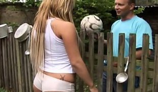 Teen gets fucked in the backyard
